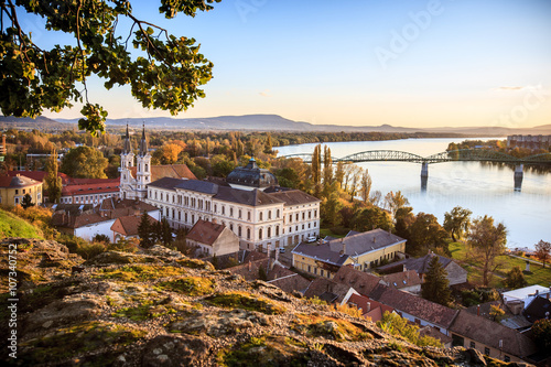 Fotografia  View of the old town of Esztergom