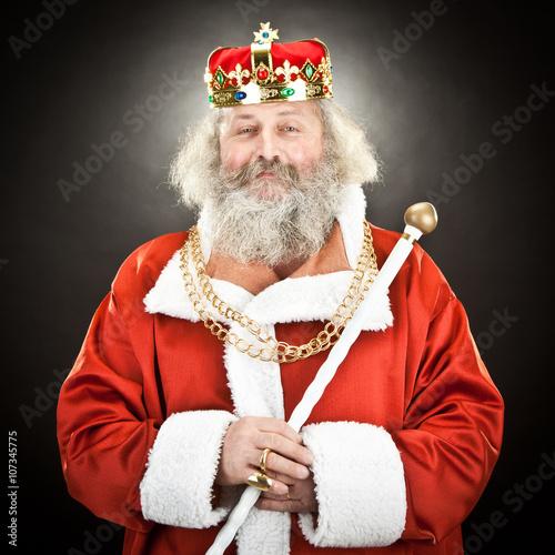 Fotografie, Obraz  Starý král s korunou a šperky na černém