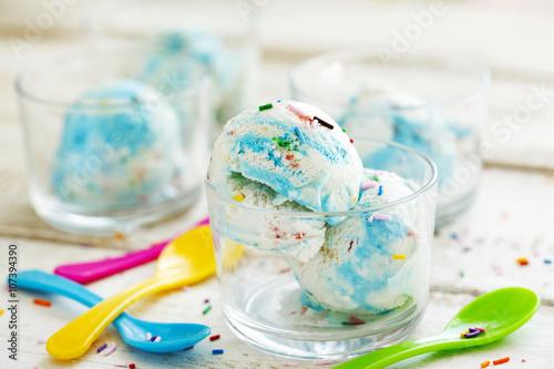 Plakat Tort urodzinowy z lodami