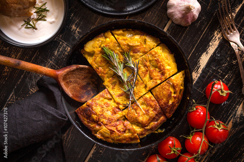 Fotografie, Obraz  Tortilla de patatas in a pan
