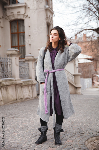 Spoed Foto op Canvas Gypsy Woman wearing knitted colorful coat outdoor