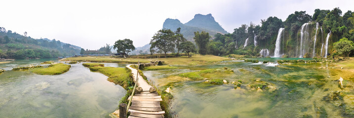 Fototapeta Panorama Panorama of the river and Bondzhuk Falls, North Vietnam