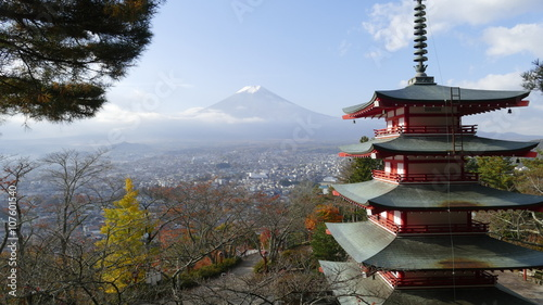 Poster Kyoto Beautiful of Mt. Fuji with fall colors in Japan