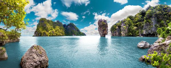 Panel Szklany Romantyczny Paisaje pintoresco.Oceano y montañas.Viajes y aventuras alrededor del mundo.Islas de Tailandia.Phuket.