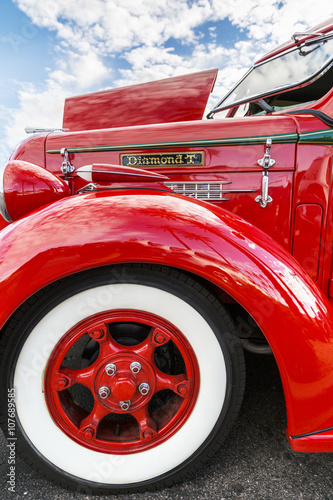 Deurstickers Oude auto s Antique Truck Fender Detail