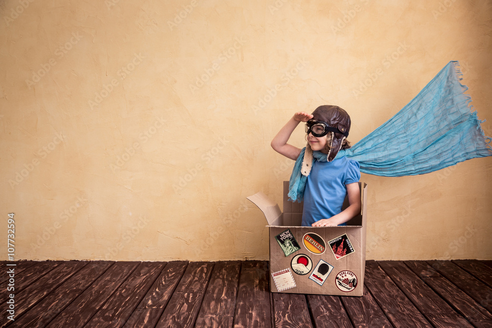 Fototapety, obrazy: Child playing at home
