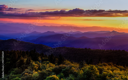 Foto op Canvas Snoeien Sunset glow on Blue Ridge Parkway