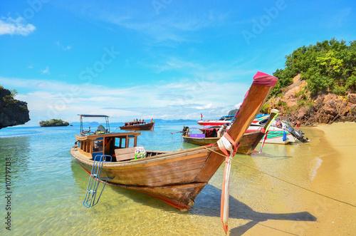 Fotografie, Obraz  Long sledoval lodi Ruea Hang Yao v Phuket Thajsko