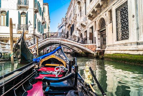 Leinwand Poster  Gondola trip, Venice