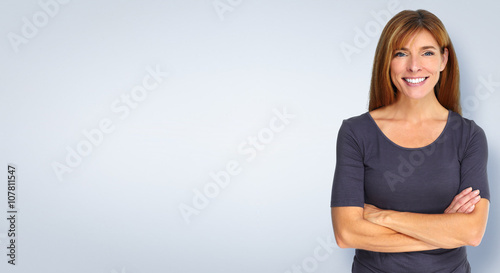 Papel de parede  Smiling woman on blue background.