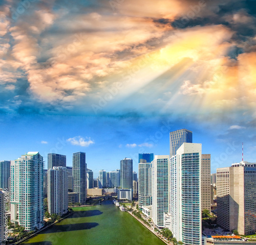 downtown-miami-i-brickell-skyline