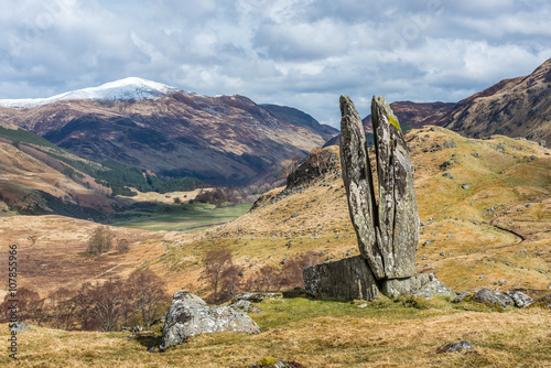 Tuinposter Monument The Praying hands of Mary, Glen Lyon