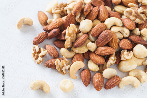 Assorted mixed nuts , Almond , Cashews nuts , macadamia , walnut