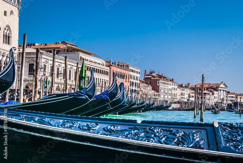 Foto  Touristic route with gondola, Venice