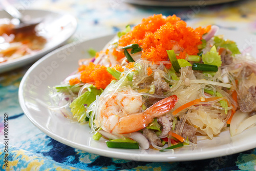 Fototapeta yam wun sen, thai mung bean noodle salad obraz
