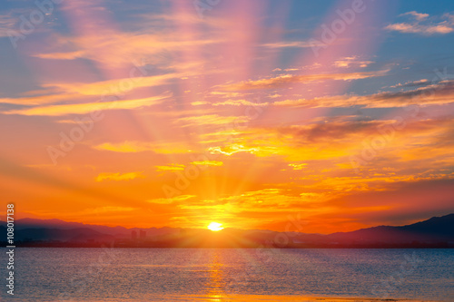 фотография  琵琶湖畔の朝