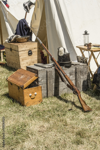 Foto  kingston, ontario canada - july 1: details stock images of war o