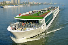 Passagierschiff Auf Der Donau In Wien