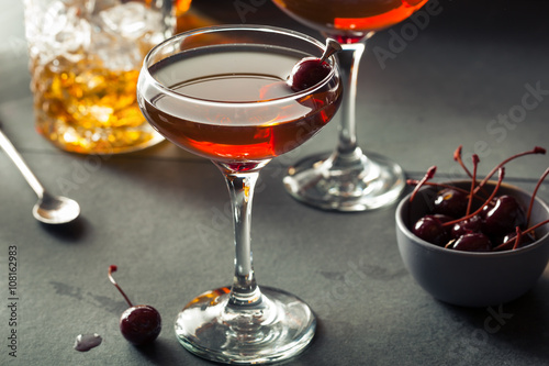 Photo  Homemade Rye Bourbon Manhattan