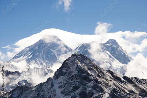 Wall mural - Everest Veiled by Clouds - Nepal
