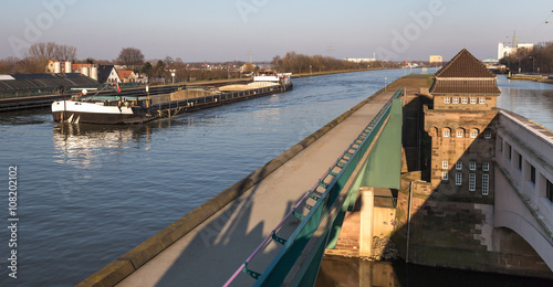 Tuinposter Kanaal famous canal crossing minden germany