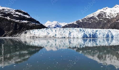 Fotobehang Gletsjers Panoramic view of Margerie glacier in Glacier Bay. Glacier Bay National Park and Preserve, Alaska, United States.