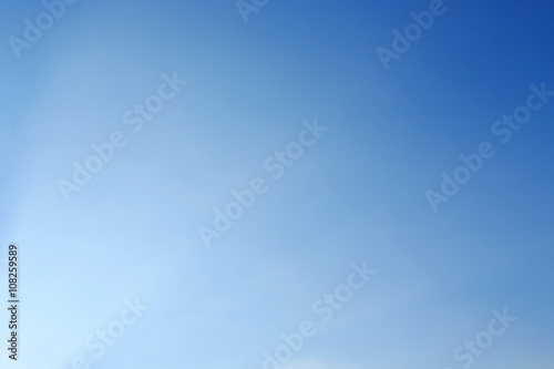 Obraz clear blue sky background - fototapety do salonu
