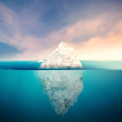Panel Szklany Skandynawski iceberg with cloudy sky