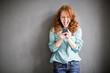 canvas print picture - Frau mit Smartphone