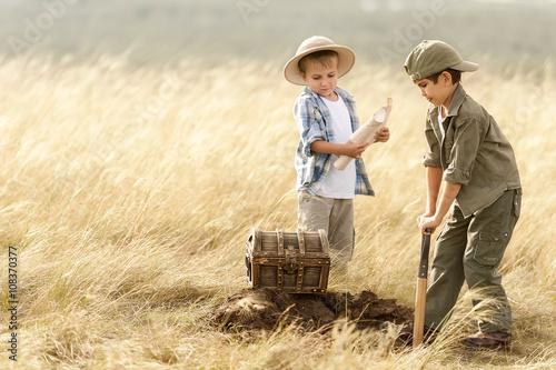 Obraz na płótnie Little treasure hunters