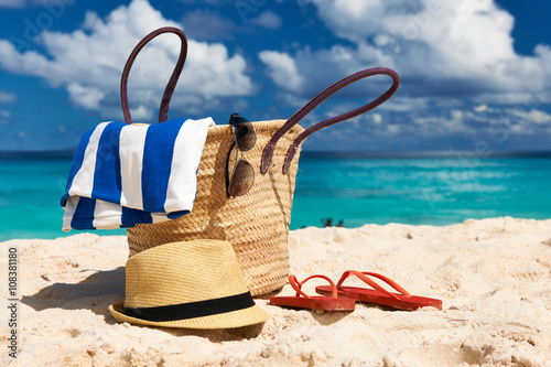 Staande foto Strand Beautiful beach with bag at Seychelles