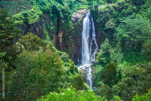 Recess Fitting Waterfalls Devon waterfall in Nuwara-eliya, Sri Lanka