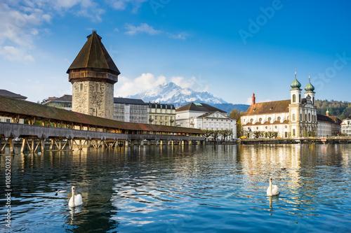 Photographie  Pont de la chapelle, kapellbruck à lucerne, suisse