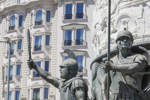 Foto op Plexiglas Artistiek mon. Statue of Alexander the Great on main square in downtown of Skopje, fountain detail.