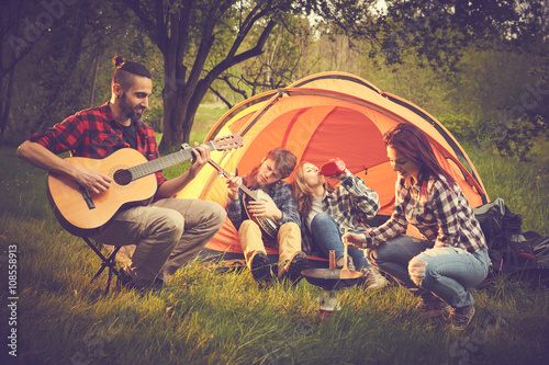 Foto op Plexiglas Muziekwinkel Amici in tenda