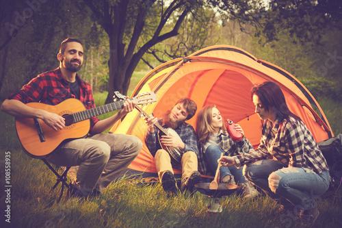 Spoed Foto op Canvas Muziekwinkel Amici in tenda