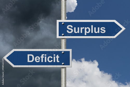 Fotografia  Difference between a Surplus and a Deficit