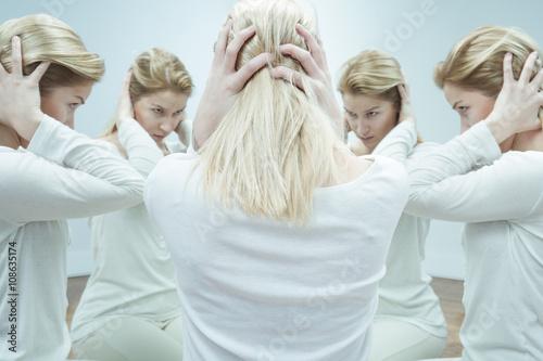 Fényképezés  When voices in her head take control