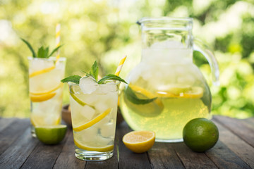 Obraz na Szkle Summer drink - cold lemonade