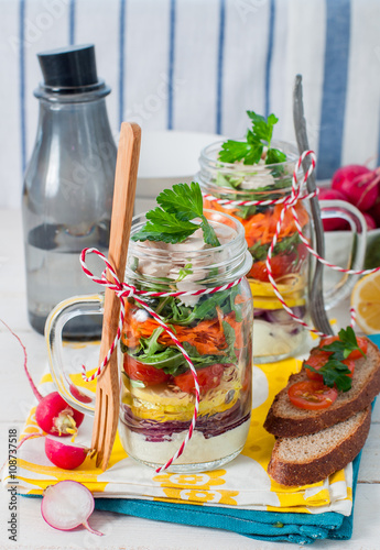 Cadres-photo bureau Pays d Europe Rainbow Picnic Salad in a Mason Jar