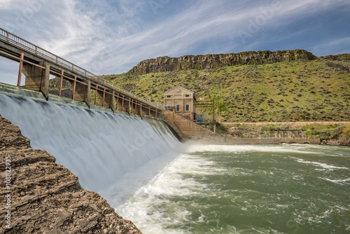 Deurstickers Dam Dam on the Boise River in Idaho high water