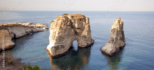 Photographie Beirut sea rock in Lebanon
