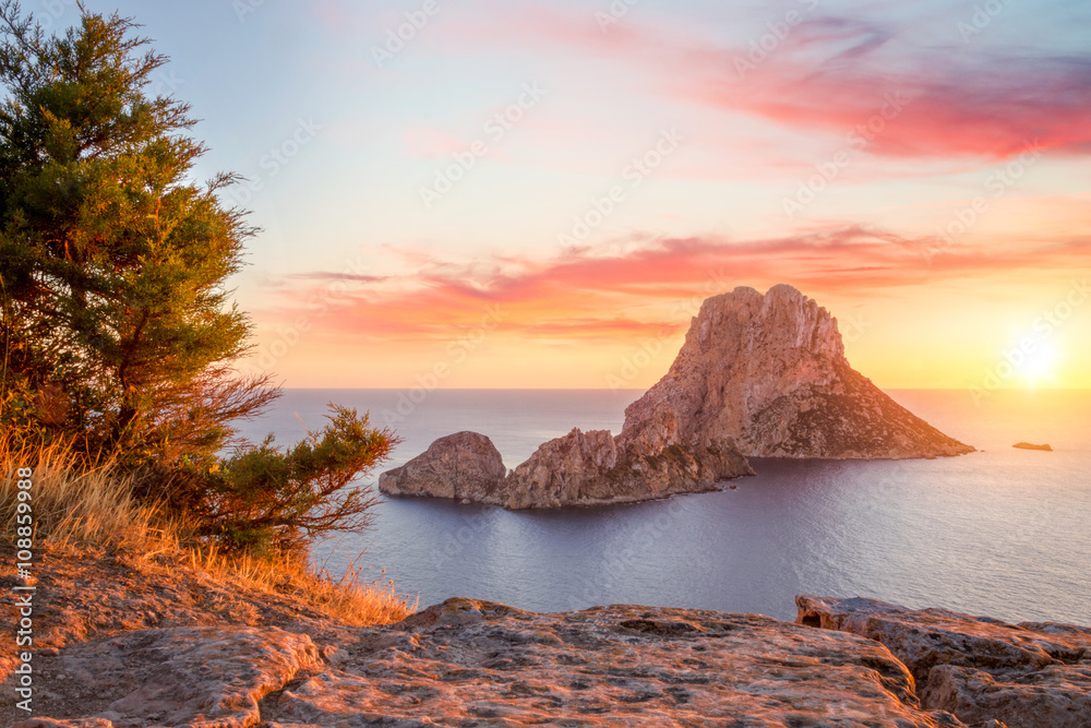 Photo  Es Vedra at sunset, Ibiza, Spain