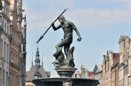 Fountain of the Neptune in old town of Gdansk Canvas Print
