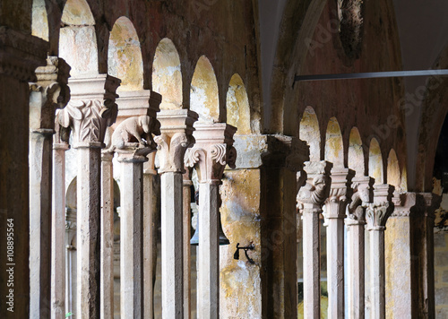 Photo Dubrovnik Franciscan monastery cloister colonnades