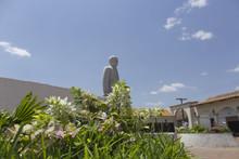 Jardin Donde Se Encuentra El Monumento Del Poeta Ruben Dario En El Parque De Los Poetas Leon Nicaragua