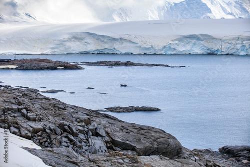 Foto op Aluminium Arctica Nature and landscapes of the coast Antarctica, beautiful rocks, ocean.