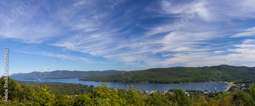 Fotografía  view of Lake George