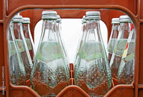 Valokuva  Mehrwegflaschen im Getränkekasten