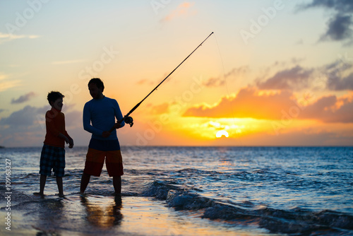 Foto op Canvas Vissen Family fishing